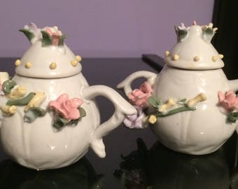 This Has Got to Be The Cutest Sugar and Creamer Set