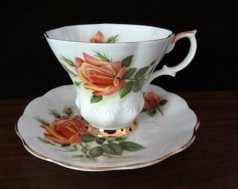 Royal Albert Sweetheart Roses Bone China Teacup And Saucer. Margaret Pattern