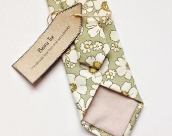 Mens skinny tie, floral skinny tie, green skinny tie, mens floral tie, necktie