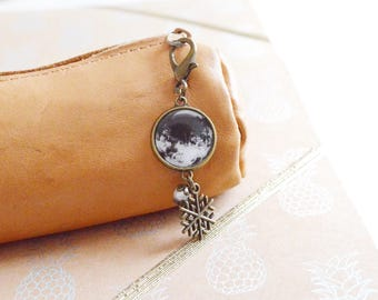 """""""Winter frost"""" keychain / snowflake Keychain / Metal Bronze / decorating bags, pouches... / Handmade / Vintage Bohemian Style"""