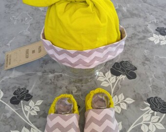 Welcome Home Newborn Set, Baby Shower Gift - Baby Hat, Baby Shoes - Grey Chevron and Lime