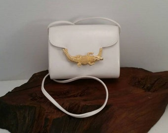 Vintage White Cross Body Vinyl Evening Bag With Gold Alligator,  White Handbag With Golden Alligator Accent, 1980's Style Evening Handbag
