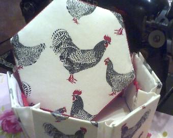 Chicken Hexagonal Etui Sewing Box