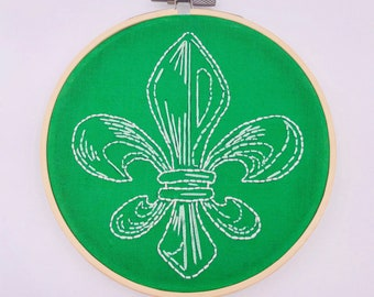 SALE.....5 inch Green Fleur de Lis Hand Sewn Embroidery Hoop Wall Hanging
