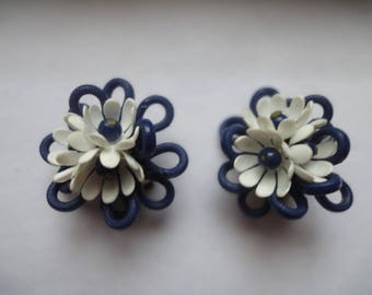 CLIPS WITH FLOWERS