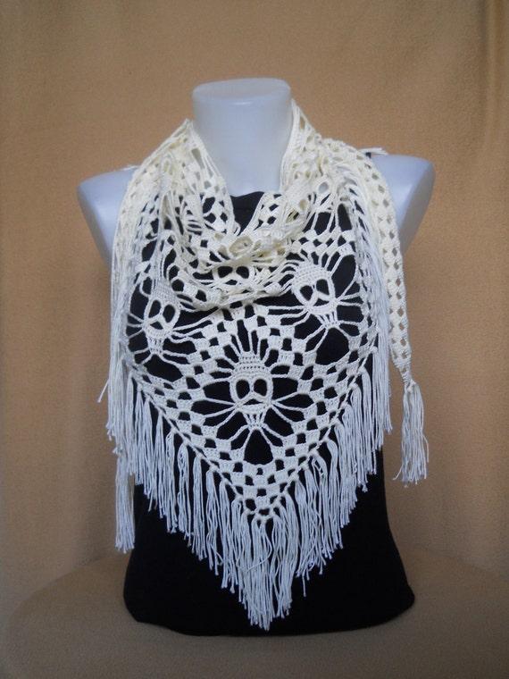 Artículos similares a Crochet bufanda, patrón de cráneo, cráneos ...