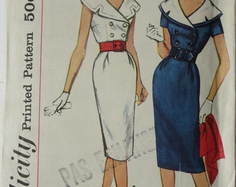 Vintage pattern from 1950's or 1960's - Simplicity Printed Pattern 3061 - Dress with Detachable Collar