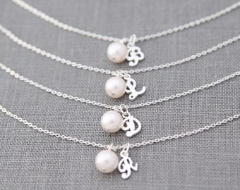 Silver Bridesmaid Bracelet Set of 4, Personalized Bridesmaid Gift Set of 4, Bridesmaid Bracelet with Initial & Pearl