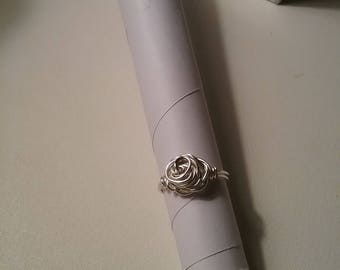 Silver Rose ring. SIZE 6 1/2  VERY SPARKLY