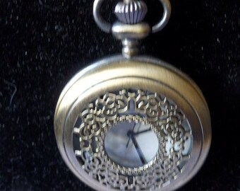 Vintage Pocket Watch Pendant Necklace Brass Chain Interlock Necklace Watch Needs Repair Vintage Necklace