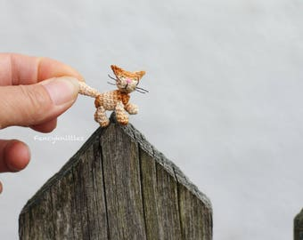Crochet Cat Miniature Red Kitty, Ginger Kitten Dollhouse Pet, Fancy Amigurumi Tiny Winy Doll, Collectable Gift for Cats Lovers Funny Knitted