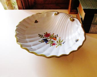 Italian Clam Shell Style Catchall, Hand-Painted Pottery Dish, Hollywood Regency, Coffee Table Decor, The Gilded Tassel