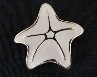 Trifari Starfish Brooch, Cream Enamel, Gold Tone,Sea Star, Marine life, Sea Creature, Echinoderm,Sand dollars, Sea Urchins