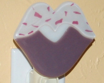 Fused Glass Lavender Lips nightlight - I heart U