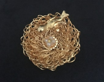 Gold Bird Nest Vintage Costume Brooch