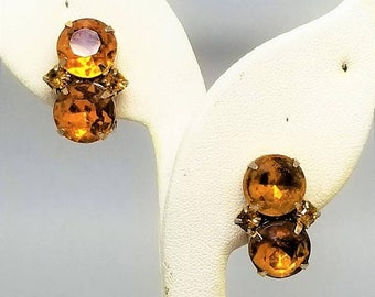 30% Off Sale Topaz color Glass Vintage Clip On Earrings