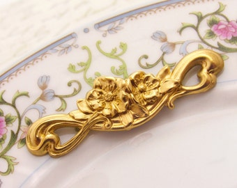 Art Nouveau Long Flower & Scroll Raw Brass Flower Bar Stamping Connector Pendant Findings - 1