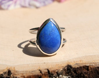 Double-banded Lapis Howlite Teardrop Solitaire Ring