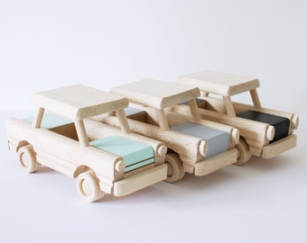 Wooden car toy (custom colour choice) - Wooden toys - Gift for toddlers - Birthday gift for kids - Natural handmade toy
