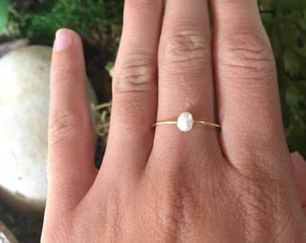 Dainty Pearl Ring / Minimal Ring / Tiny Pearl Ring / Silver Gold Stacking Ring / Genuine Pearl Ring / Bridesmaid Gift /Birthday Gift for Her