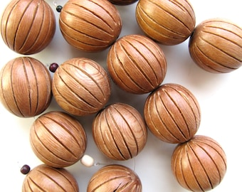 Carved wood beads, 24mm diameter, natural wood, 4 beads # 24