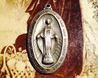 STERLING MARY MEDAL Vintage Religious Charm