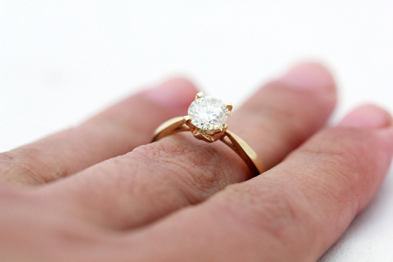 Unique engagement ring 14k gold and Round 1.00 CT GSI1