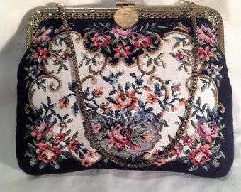 1950s Tapestry Handbag / Purse with gold coloured chain handle and black lining.