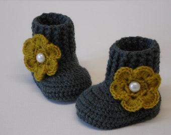 Crocheted baby booties for girl's, handmade baby boots, booties for baby, baby crochet boots, handmade shower gift, newborn booties