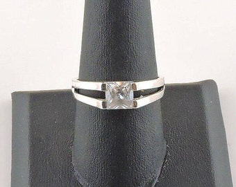 Size 9 Sterling Silver 1.25ct Princess Cut Clear Rhinestone Ring