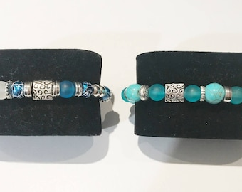 Unisex bracelet available in turquoise blue or electric blue
