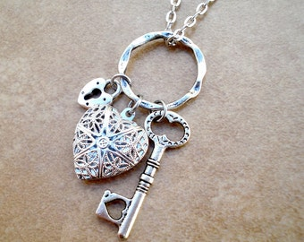 Aromatherapy Heart Shaped Locket with Skeleton Key and Heart Lock - Silver Filigree Aromatherapy Necklace - Aromatherapy Diffuser Jewelry
