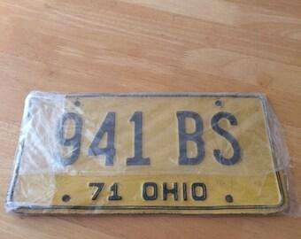 Vintage Pair of 1971 Ohio Car License Plates