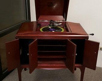 1922 Working Refinished Victrola Victor Talking Machine