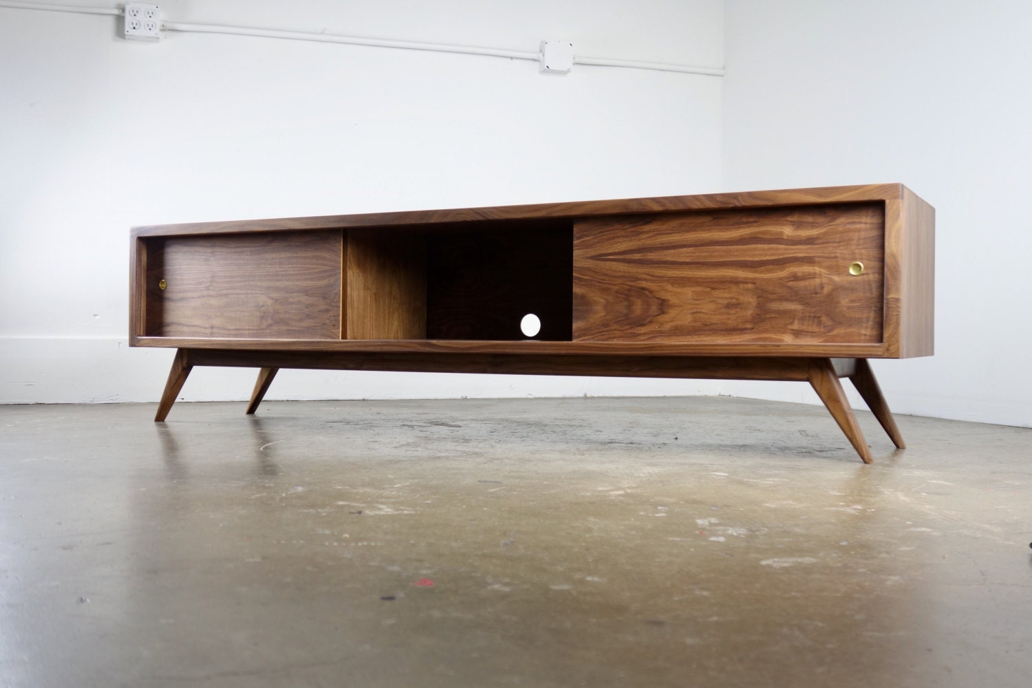 The G3 A Mid Century Modern Tv Console Tv Stand # Meuble Tv D'Angle Salvador