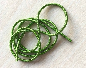 Purl curly green parrot 4767: spring metal