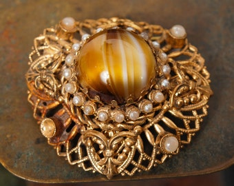 Vintage brass brooch, with glass stones and glass pearls