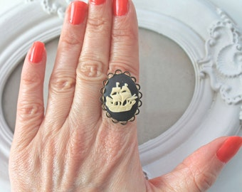Ship boat cameo ring in  black ivory Gothic Lolita oval sail
