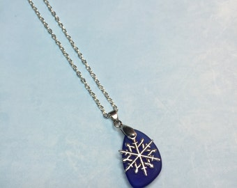 Snowflake Necklace: Snow Flake on Blue Sea Glass Necklace; Beach necklace; Sea Glass; Snowflake; Snow flake jewelry; sea glass jewelry