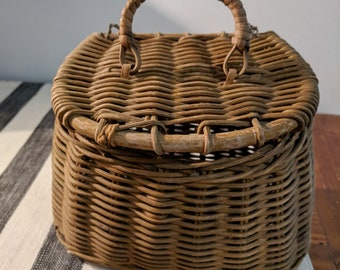Vintage Fly Fishing Creel Basket Small Wicket Willow Wood for Fishing Lures Photography Prop Cabin
