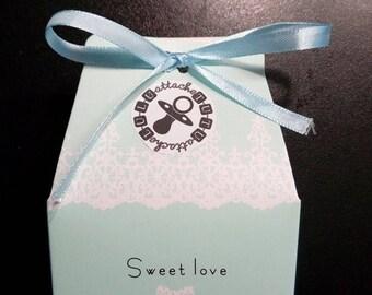 Blue gift box / pink tutu attached