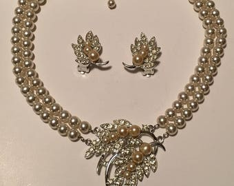 Vintage Signed Emmons Bridal Pearl Rhinestone Demi Parure Necklace with Matching Clip-on Earrings
