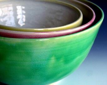 Serving bowl set, nesting bowls, Made to order, nesting bowls by Leslie Freeman