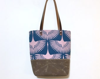 Ava waxed bottom tote