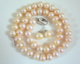 """SALE: Classic 17"""" Knotted Pink Pearl Necklace and Earring Set"""