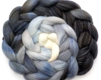 Roving Targhee Bamboo Silk, Handdyed Combed Top, Moon Through the Clouds, 5.1 oz.