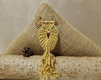 Owl brooch, owl pin, owl badge, bird pin, owl gift, bird jewelry, fun gift, animal badge, mothers day gift, best friend gift, kids brooch