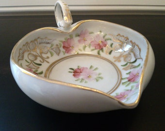 Beautiful antique hand-painted Nippon heart dish, c. 1890-1920