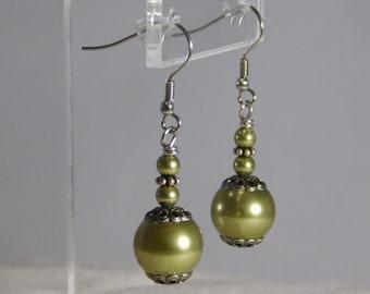 Olive My Heart Pearl Earrings