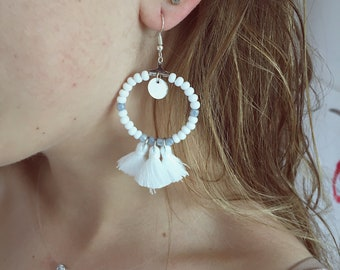 LEA white Pompom earrings
